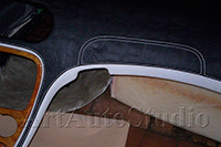 Mercedes SL230 перетяжка торпеды кожей крокодила