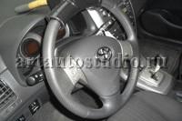 Toyota Corolla перетяжка руля перфорированной кожей
